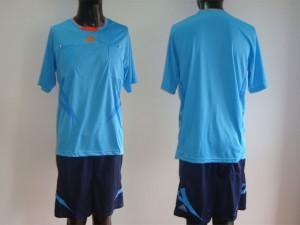 maillot arbitre equipement bleu rouge