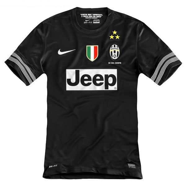 Juventus maillot foot exterieur 2013 maillots foot actu for Maillot exterieur juventus