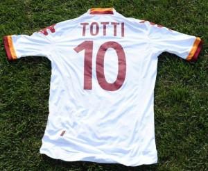 Francesco-Totti-Roma-2013-exterieur-maillot