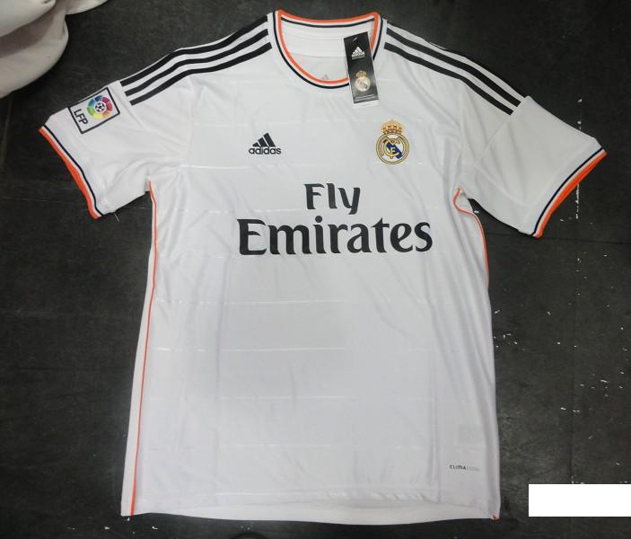 le maillot de foot du real madrid 2013 2014. Black Bedroom Furniture Sets. Home Design Ideas
