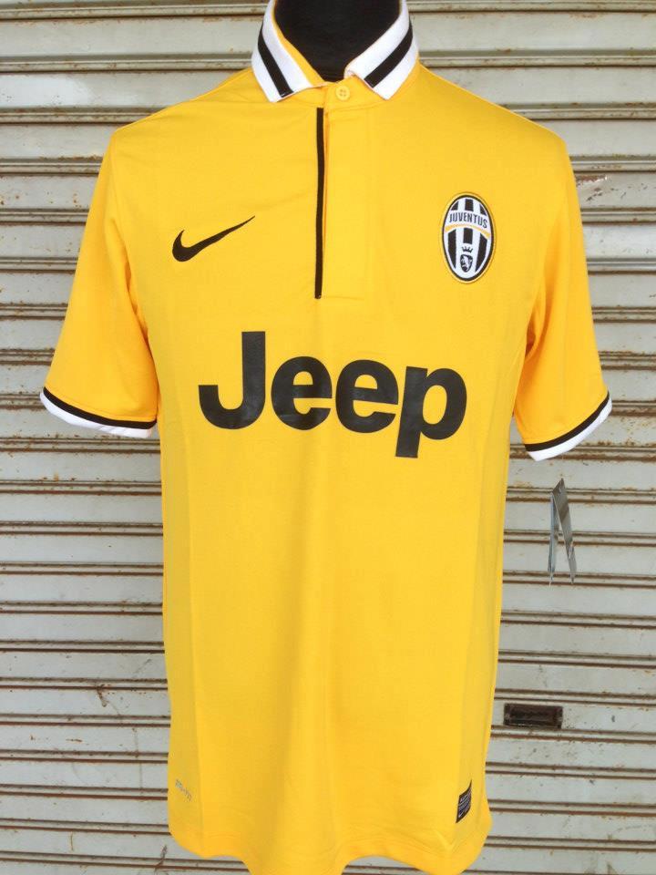 Juventus maillots foot 2013 2014 for Maillot exterieur juventus