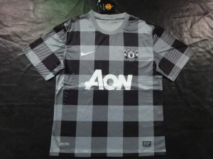 Maillots foot de manchester united 2013 2014 for Manchester united exterieur