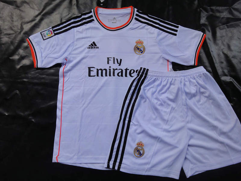 maillots football real madrid 2014. Black Bedroom Furniture Sets. Home Design Ideas