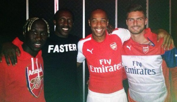 http://www.maillots-foot-actu.fr/wp-content/uploads/2013/10/Arsenal-2014-2015-maillot-foot-Puma.jpg