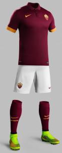 tenue foot AS Roma 2015 domicile