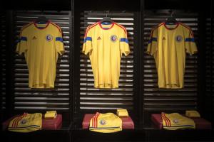 Roumanie 2014 maillot foot domicile