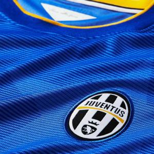 Juventus 14 15 blason maillot exterieur