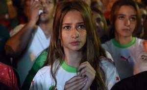 Algerienne jolie fille maillot algerie domicile coupe du monde 2014