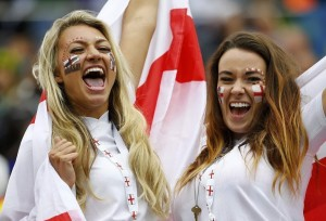 angleterre maillot foot 2014 babes jolies filles supportrices