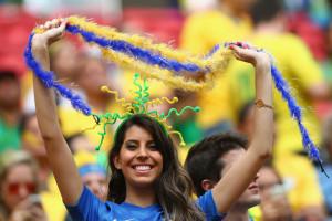 bresilienne sexy fan maillot exterieur Bresil coupe du monde 2014