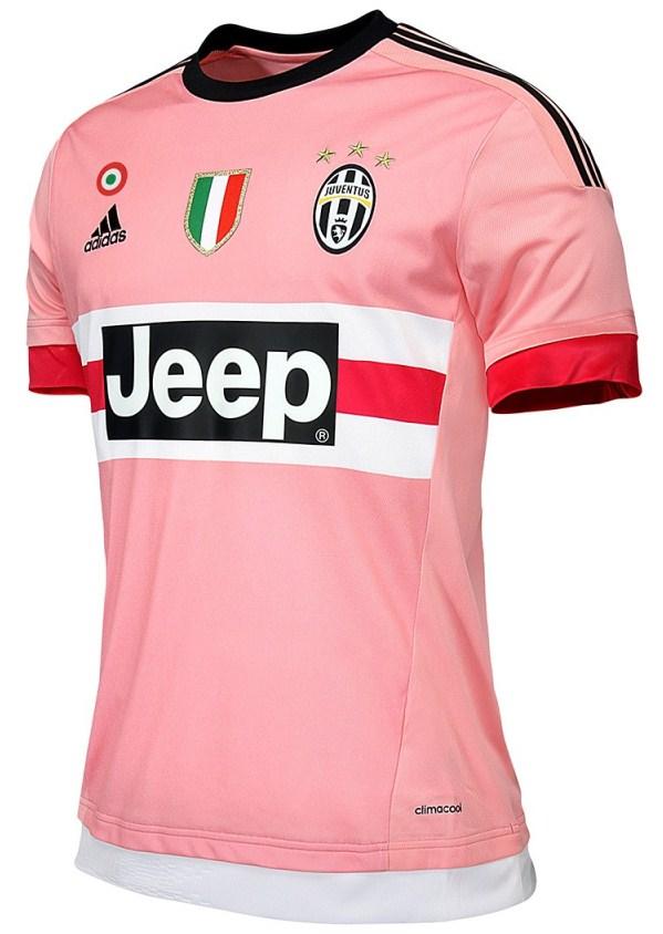 Juventus 2016 les nouveaux maillots de foot for Maillot exterieur