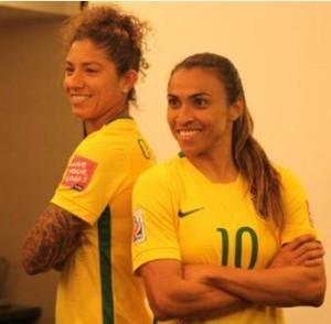Bresil 2015 maillot domicile féminines