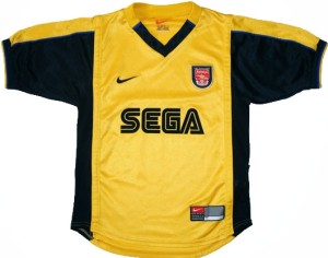 Arsenal 1999 Sega maillot foot