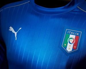 Italie Euro 2016 maillot domicile torse