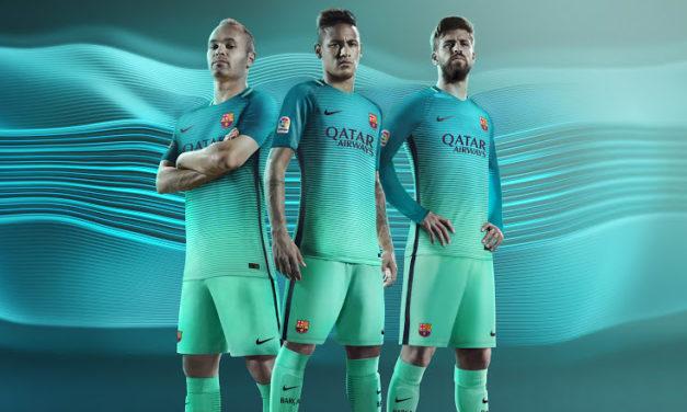 FC Barcelone 2017 les maillots de foot 2016-2017
