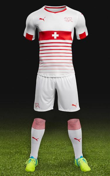 les nouveaux mailllots de foot de la suisse euro 2016 maillots foot actu. Black Bedroom Furniture Sets. Home Design Ideas