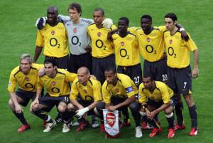 Arsenal 2005 2006 maillot jaune champions league