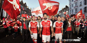 Arsenal 2017 maillot foot domicile presentation Puma 16-17