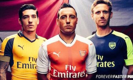 Les nouveaux maillots de foot Arsenal 2017