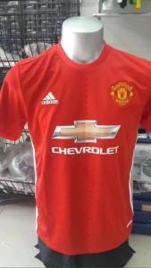Manchester United 2017 maillot domicile 16-17 dévoilé