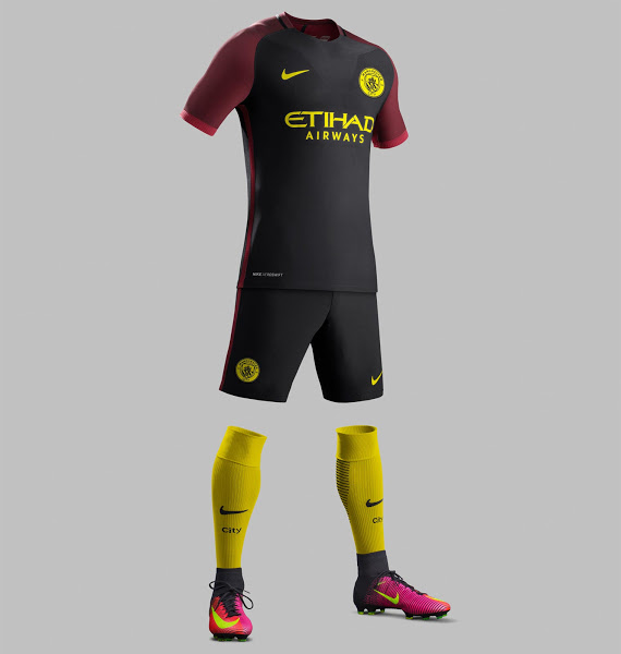 les maillots de football nike de manchester city 2017. Black Bedroom Furniture Sets. Home Design Ideas
