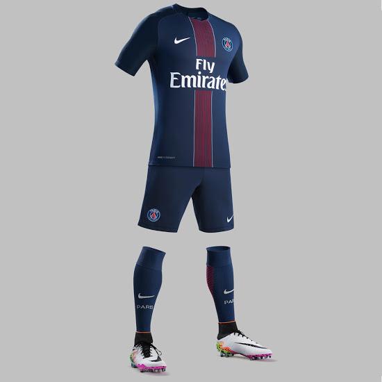 psg 2017 les maillots de foot du paris saint germain 2016 2017 maillots foot actu. Black Bedroom Furniture Sets. Home Design Ideas