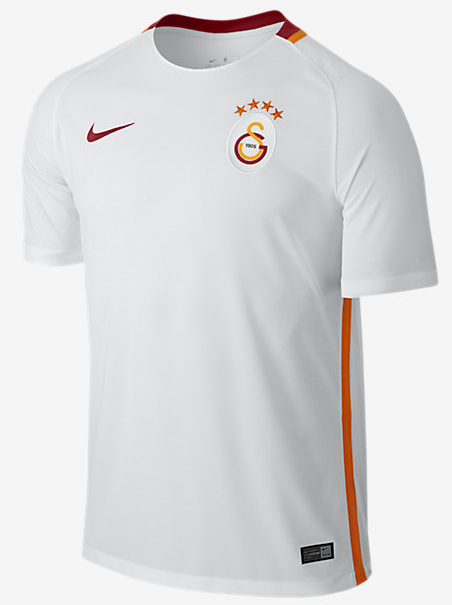 Nike se charge des nouveaux maillots galatasaray 2017 for Maillot barca exterieur 2017