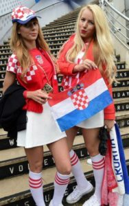 deux sexy supportrices croates Euro 2016