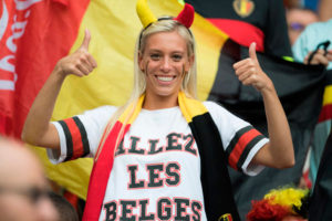 jolie supportrice belge foot Euro 2016