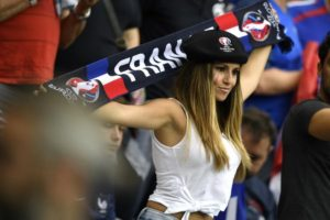 supportrice francaise Euro 2016
