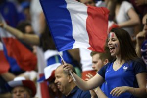 une belle supportrice francaise Euro 2016