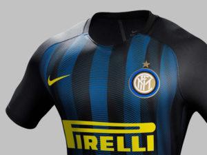 Inter de Milan 2017 maillot domicile torse