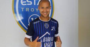 Troyes 2017 maillot de foot domicile 16-17 ESTAC