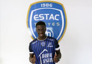 Troyes 2017 nouveau maillot domicile ESTAC 2016 2017