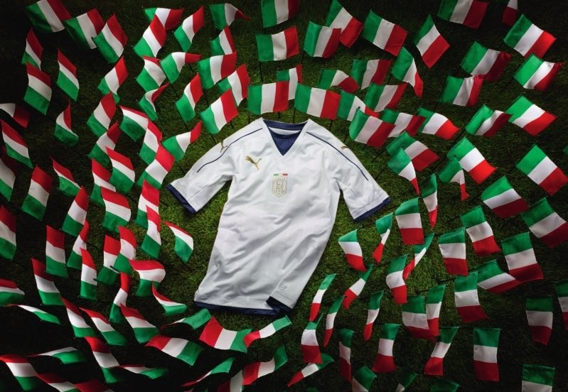 Italie 2017 maillot exterieur hommage 2006