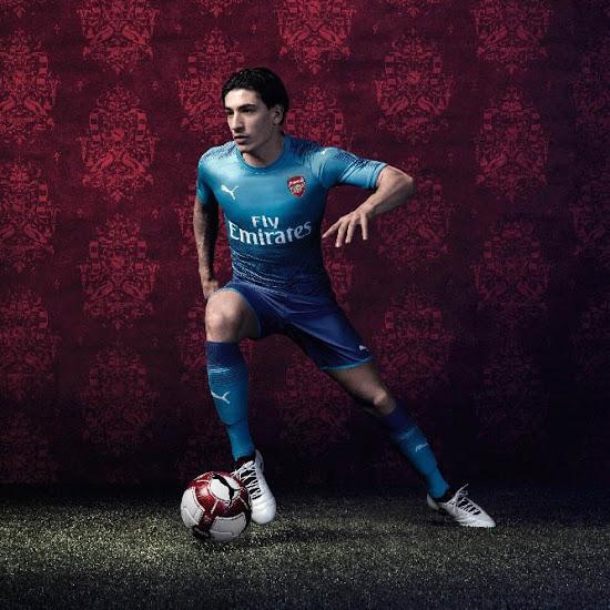 Arsenal 2017 2018 maillot exterieur bleu Puma