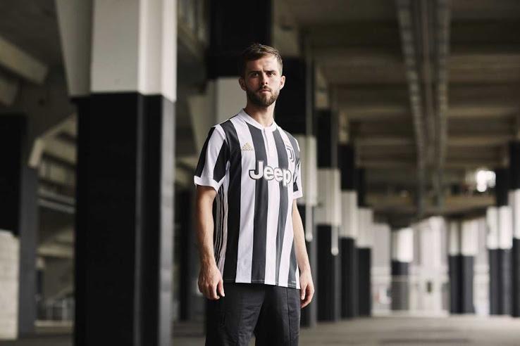 Juventus 2018 maillot domicile Pjanic
