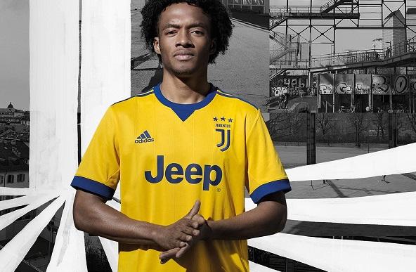 Juventus 2018 maillot exterieur Adidas officiel