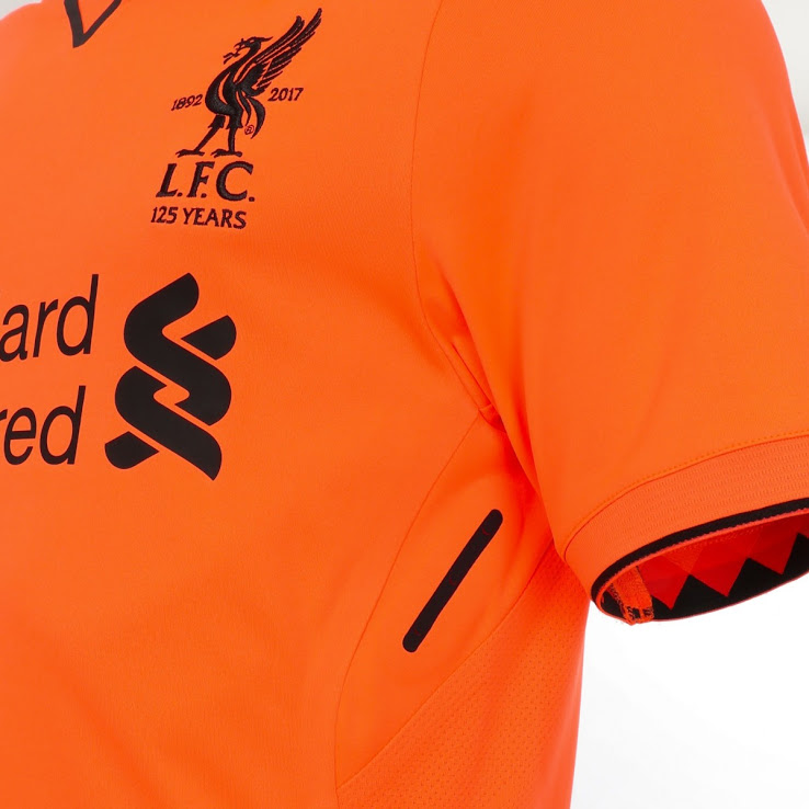 Liverpool 2017 2018 zoom maillot third manche NB