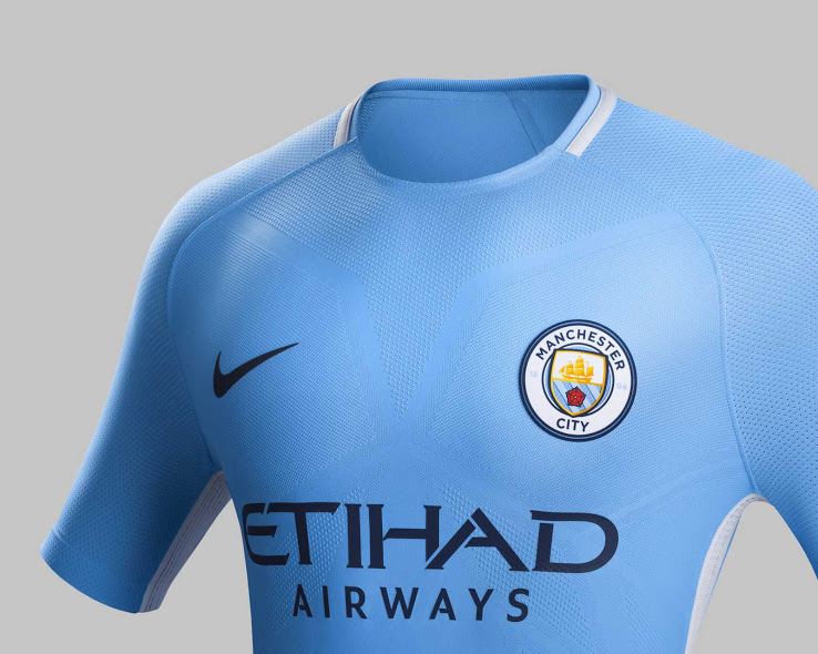 Manchester City 2018 maillot domicile football 2017 2018