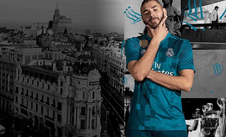 Real Madrid 2018 troisieme maillot third bleu Benzema