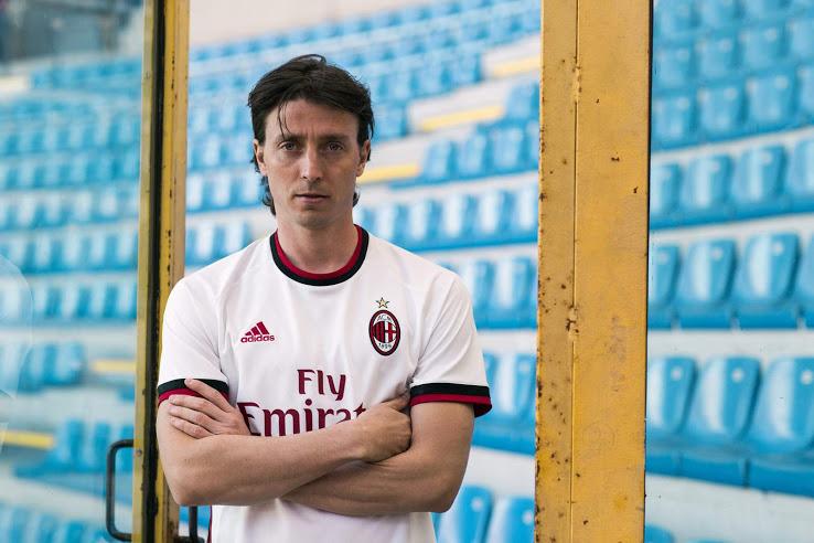 AC Milan 2018 maillot de foot exterieur blanc Adidas