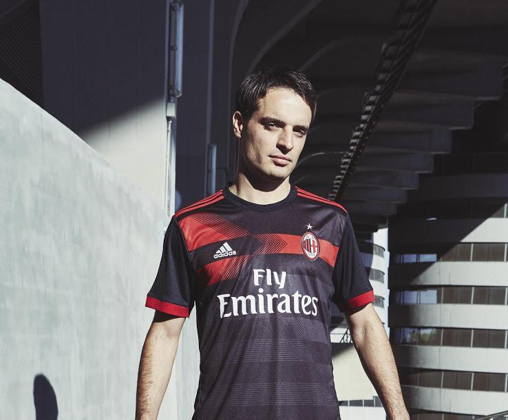 AC Milan 2018 troisieme maillot third 17 18