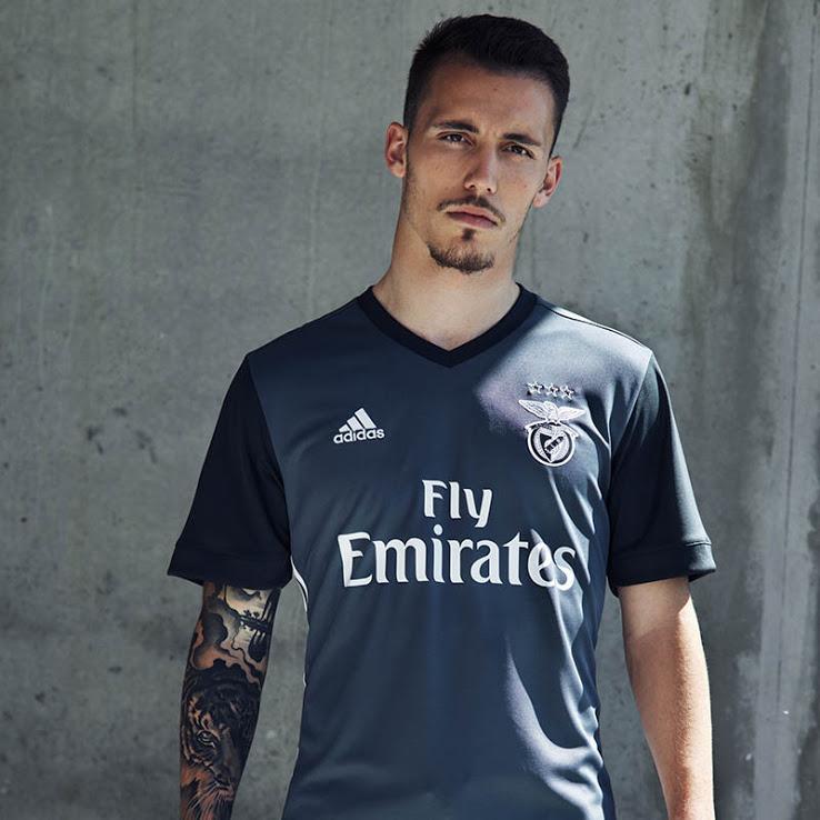 SL Benfica 2018 maillot extérieur officiel Adidas