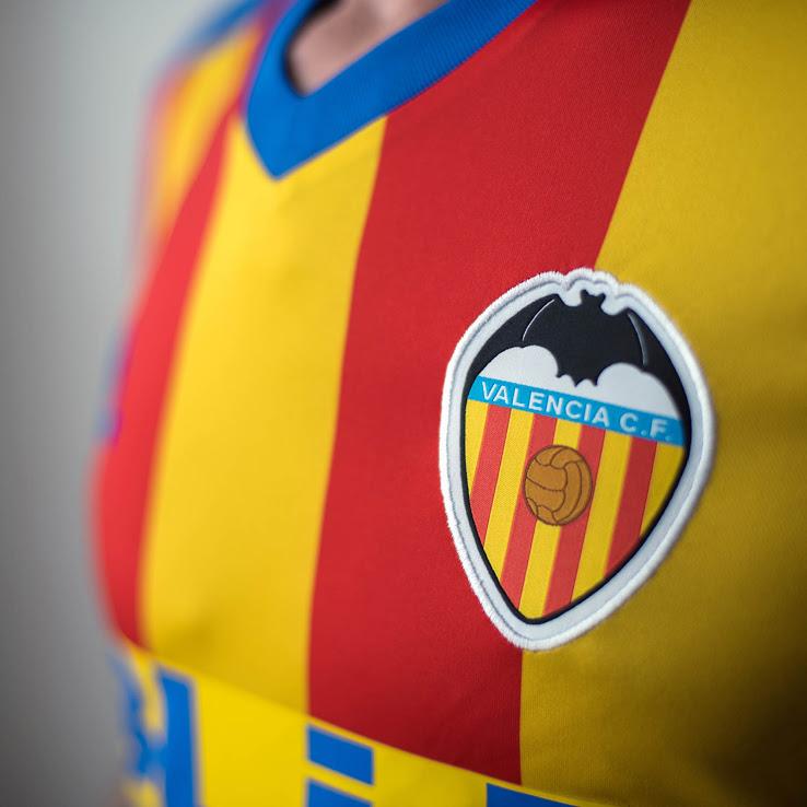Valencia 2018 maillot exterieur senyera