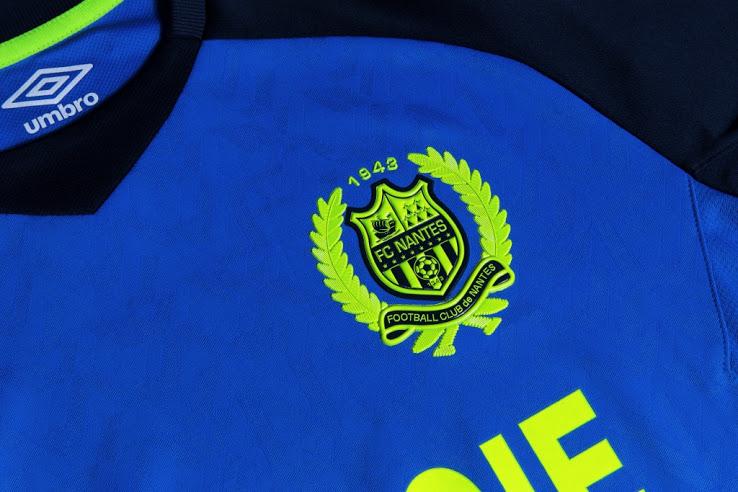 FC Nantes 2017 2018 maillot exterieur bleu