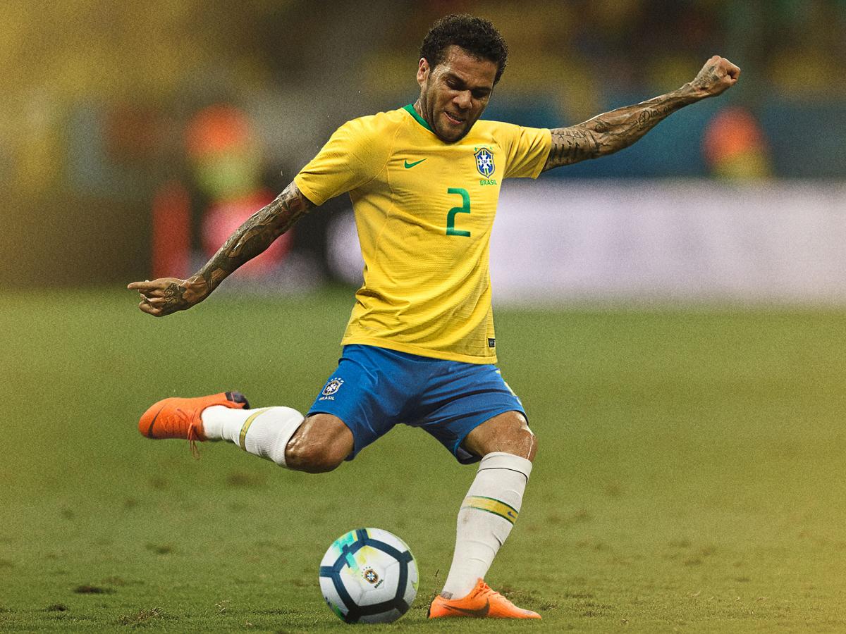 Bresil 2018 maillot domicile Alves coupe du monde 2018