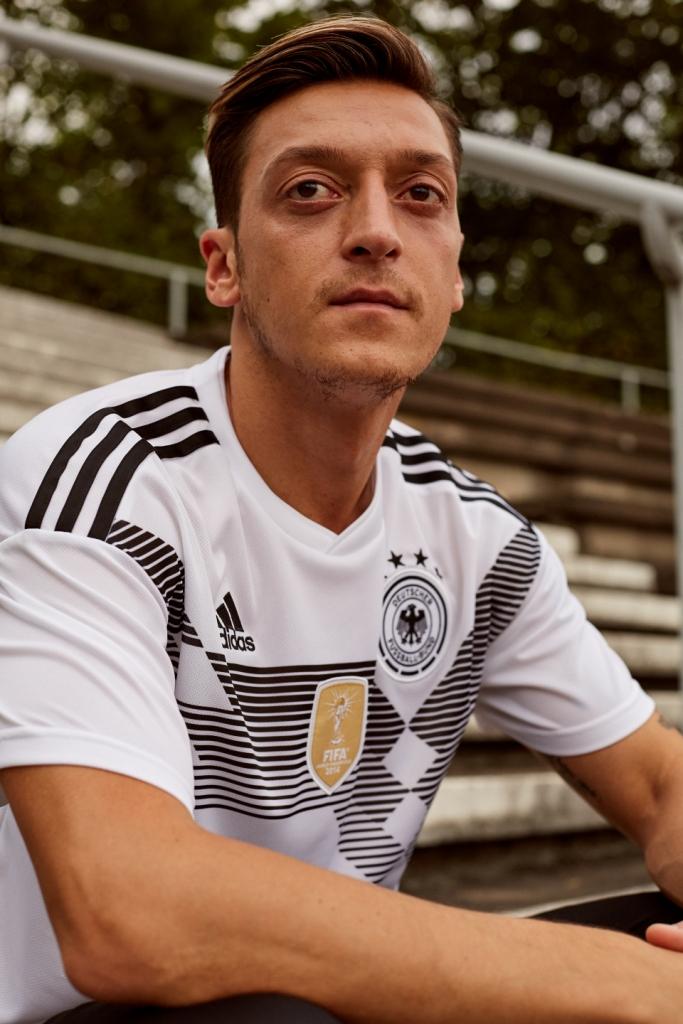 Allemagne 2018 Ozil maillot de foot domicile coupe du monde 2018