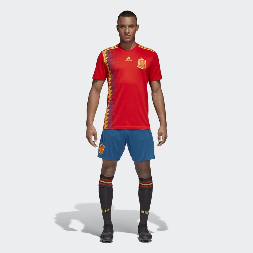 Coup Spain: Espagne 2018 Nouveaux Maillots Coupe Du Monde 2018 Chez Adidas