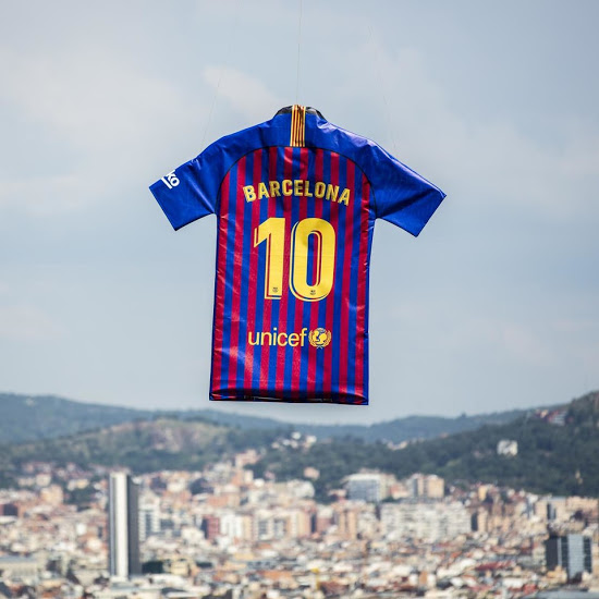 Barcelone 2019 maillot football officiel domicile 18 19